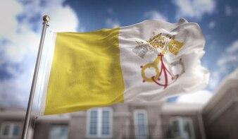 Bandeira da Cidade do Vaticano Renderização 3D no fundo do edifício do céu azul
