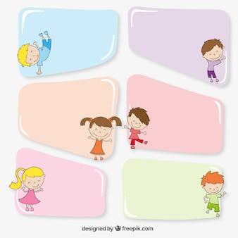 Bandeiras coloridas com crianças