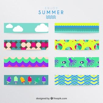 Bandeiras coloridas de verão