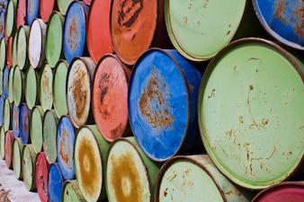 Barris para armazenamento de óleo
