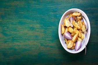 Batatas fritas em uma tigela
