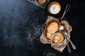 Biscoitos com açúcar por cima