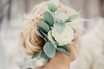 Bonito, fresco, flor, cabelo, close-up