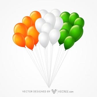 Grupo de balões formando bandeira indiana