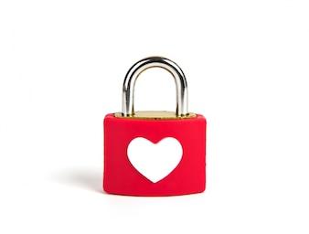 Cadeado do coração e chave em um fundo branco