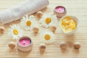 Camomiles, manteiga de karité e velas