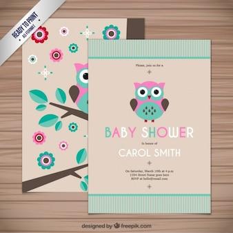 Cartão do chuveiro de bebê com uma coruja