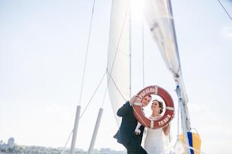 Casamento no verão véu veleiro porto