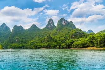 Cenário da natureza cidade rio turismo china