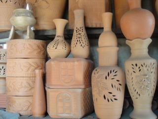 cerâmica, trabalhada à mão,