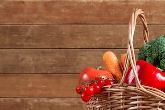 Cesta de vime com vegetais saudáveis
