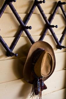 Chapéu de cowboy de feltro de lã marrom