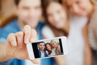 Close-up do telefone móvel com uma imagem