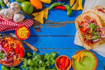 Composição colorida de alimentos mexicanos