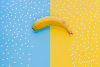 Composição criativa com banana