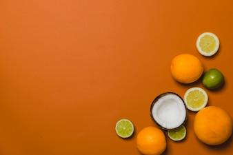 Composição de frutos de coco e citrinos