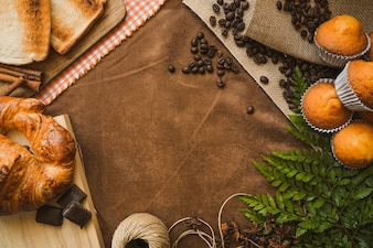 Composição doce com café da manhã e espaço em branco para o dia do pai
