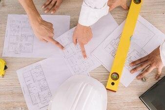 Conceito de engenharia com planos e níveis