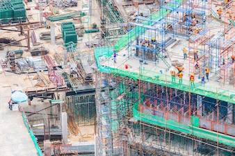 Construção de um edifício, visto de cima