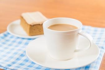 Copo de café com bolo