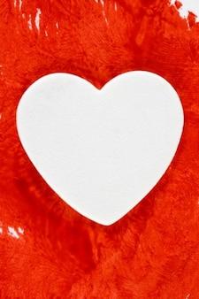 Coração sangrando branco