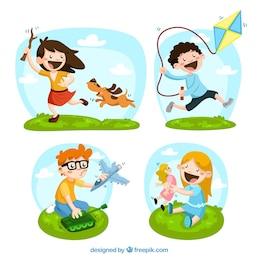 Crianças felizes com brinquedos