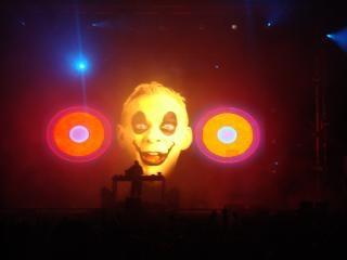 DJ no palco
