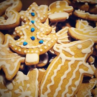 Doces de Natal. Doces caseiros feitos à mão caseiros - Gingerbreads.