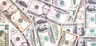 Dólares, em dinheiro