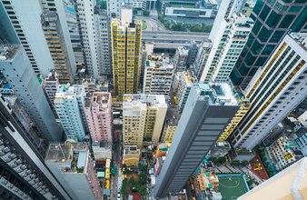 Edifícios residenciais lotados em Hong Kong, arranha-céus
