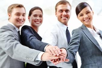 Empresários que trabalham juntos