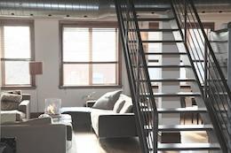 Escadas metálicas interiores