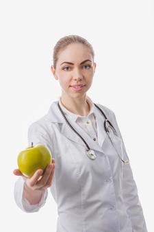 Especialista em dieta que dá maçã