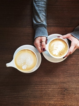 Flores no café