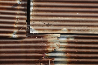 Folhas de metal oxidadas