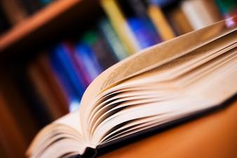 Foto de conceito de leitura de livros