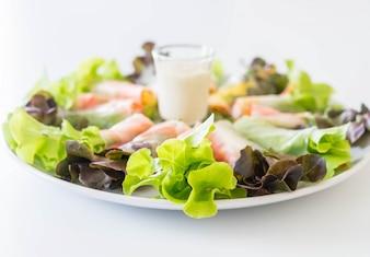 Fresco de vegetais frescos, rolo de primavera, dieta alimentar, comida limpa, salada