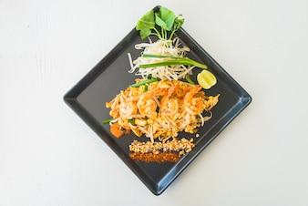 Fritada asiática do prato macarrão frito