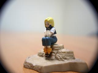garota entediada, brinquedo macro, adolescente