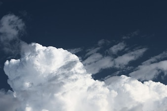 Grande nuvem de espuma