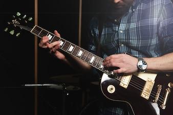 Guitarrista, fim, cima
