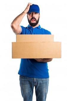 Homem de entrega frustrado