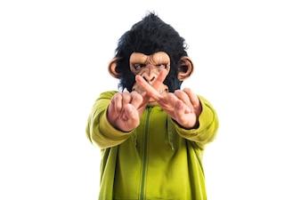 Homem macaco que não faz nenhum gesto