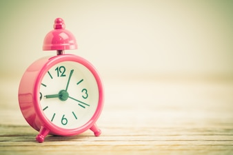 Hora minuto branco acima clássico