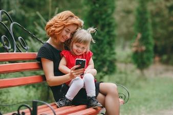 Infância criança folha feminina saudável