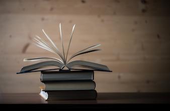 Informação sobre educação em papel texto universitário