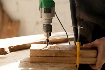 Instrumentos profissionais para o conceito de madeira