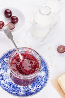 Jar Jam com uma colher