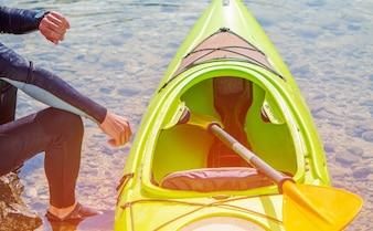 Kayaker e o lago