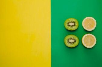 Kiwi e composição de lemmon com cópia esquerda